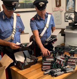 Santa Marinella - I petardi sequestrati dai carabinieri