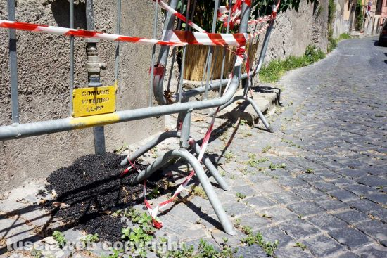 Viterbo - I sampietrini riparati dal comune