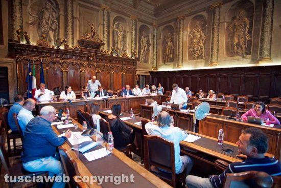 Viterbo - Il consiglio comunale sull'assestamento