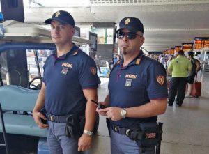 Polizia ferroviaria in stazione