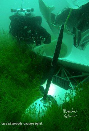 Lago di Bolsena - Le immagini dell'idrovolante precipitato - Foto Massimiliano Bellacima