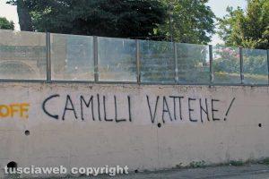 Viterbo - Scritta sul muro contro Piero Camilli