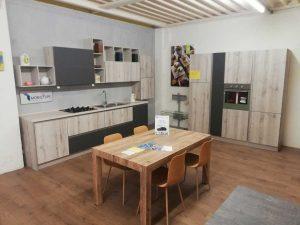 Viterbo - Il mobilificio Remo Petretti