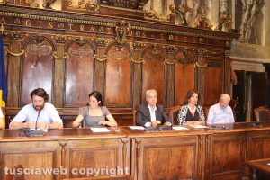 Viterbo - Comune - Il sindaco Arena e la giunta