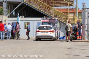 Viterbo - L'intervento di carabinieri e 118 allo stadio
