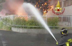 Vicenza - Incendio in un'azienda di vernici