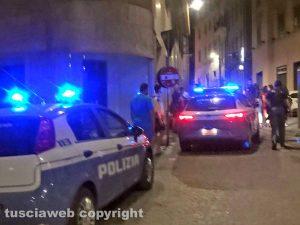 Viterbo - L'intervento della polizia in via della Sapienza