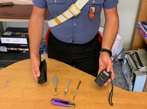 Civitavecchia - Controlli de carabinieri - Il materiale sequestrato