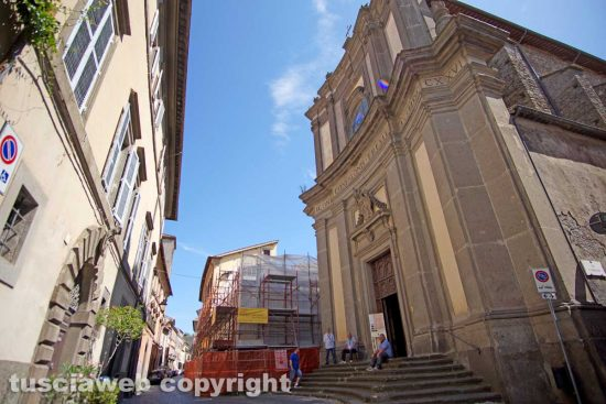 Viterbo - La chiesa del Gonfalone