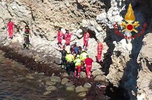San Vero Milis - I vigili del fuoco soccorrono il 14enne caduto dalla scogliera
