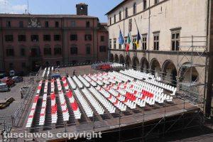 Viterbo - Santa Rosa - Le sedie a piazza del Comune