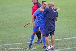 Sport - Calcio - Viterbese - L'abbraccio tra Antonio Calabro e Alessandro Polidori