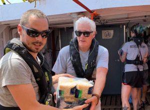 Lampedusa - La foto di Open Arms sull'arrivo di Richard Gere e sull'aiuto che sta dando all'associazione