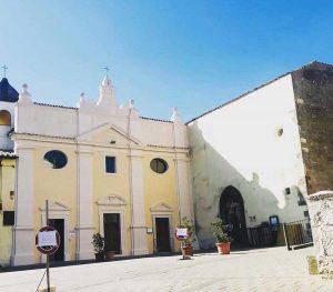 Valentano - La facciata ristrutturata della chiesa del santissimo Rosario