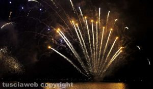 I fuochi d'artificio sul lago di BolsenaI fuochi d'artificio sul lago di Bolsena
