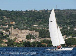 Il lago - Il castello di Bolsena
