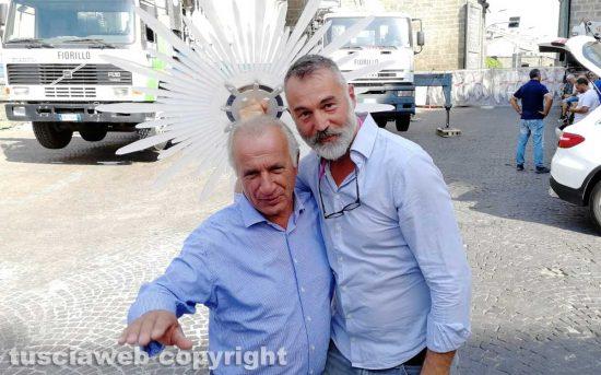 Vincenzo Fiorillo e Raffaele Ascenzi scherzano durante l'assemblaggio di Gloria