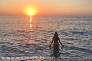 Milazzo - Il tramonto dalla spiaggia di Ponente