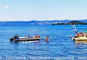 Capodimonte - Motoscafo in difficoltà nel lago di Bolsena - L'intervento della protezione civile