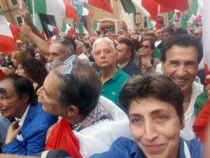 Roma - Candida Pittoritto (Civiltà Italiana) alla manifestazione contro il Conte 2 fuori da Montecitorio