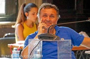Santa Rosa - Diretta social vergognosa - Gianmaria Santucci ci ride sopra