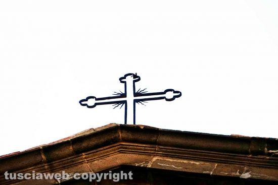 Viterbo - La croce del duomo