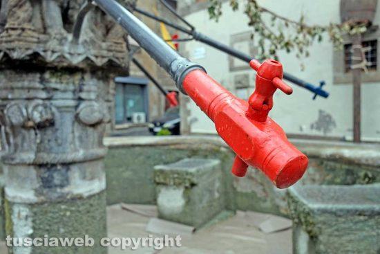 Viterbo - La cannella della fontana di Pianoscarano