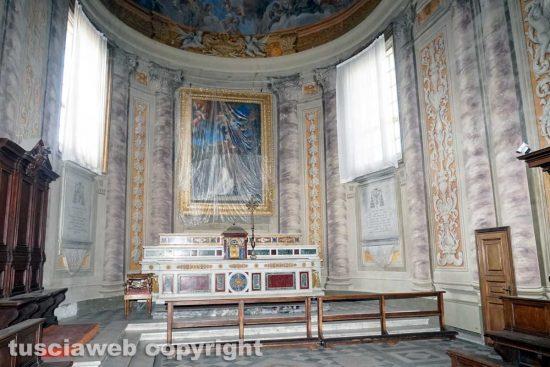 Viterbo - Il coro barocco della cattedrale