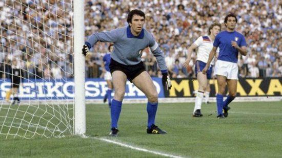 Calcio - Il portiere Dino Zoff