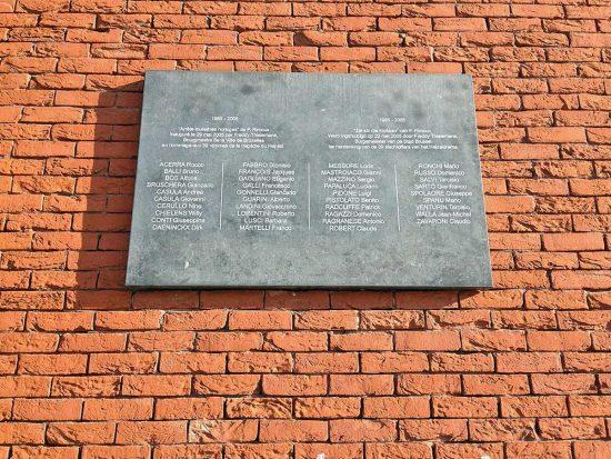 Calcio - La targa che a Bruxelles ricorda i 39 morti dell'Heysel