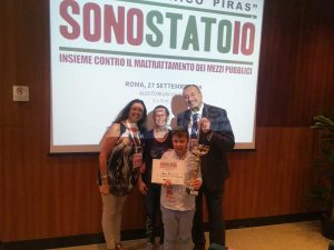 """Mario Caprasecca ritira il premio """"SonoSTATOio"""" per l'istituto Da Vinci di Acquapendente"""