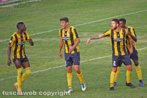 Sport - Calcio - Viterbese - Il battibecco tra Zhivko Atanasov e Francesco De Giorgi