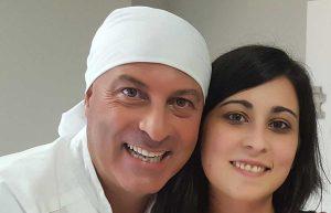 Il facchino Gianluca Piergentili con la neosposa Elisabetta Cittardi