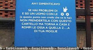 """Bagnaia - Il cartello del """"Parcheggio riservato agli imbecilli ed ai cornuti"""""""