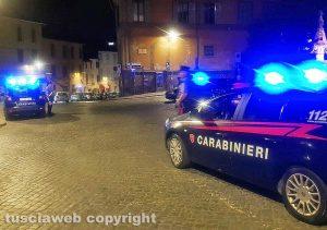 Viterbo - Controlli dei carabinieri nel centro storico - Piazza San Faustino