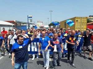 Napoli - La protesta dei lavoratori Whirlpool