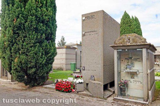 Viterbo - La tomba di Luigi Petroselli