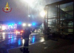 Squillace - Attività commerciali in fiamme