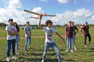 Somma Lombardo - Gli studenti del Da Vinci alla gara di alianti autocostruiti