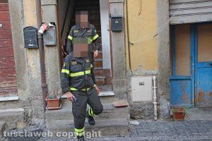 Viterbo - Casa in fiamme in via Lucchi - I vigili del fuoco sul posto