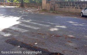 Viterbo - L'attraversamento pedonale a viale Baracca
