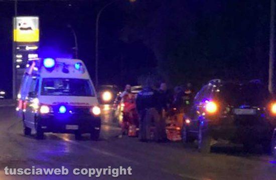 Viterbo - Giovane si sente male sulla Tangenziale ovest - Intervento di 118 e polizia