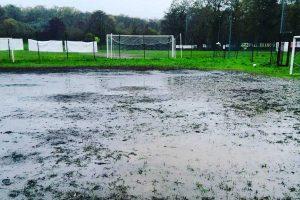 Sport - Calcio - Il campo del ViVa calcio dopo il temporale