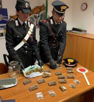 Ladispoli - La droga sequestrata dai carabinieri