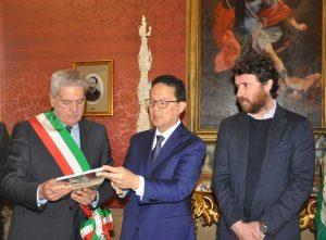 La visita degli ambasciatori asiatici a palazzo dei Priori