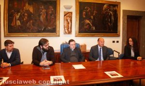 Viterbo - Conferenza stampa di presentazione del convegno sugli sudi sulla Crocifissione
