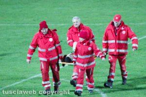 Sport - Calcio - L'infortunio del guardalinee