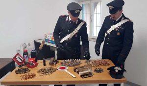 Civitavecchia - Il materiale sequestrato dai carabinieri nell'operazione