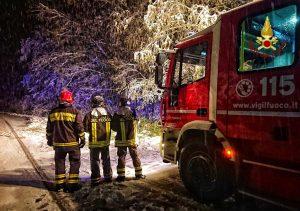 Neve - Vigili del fuoco al lavoro