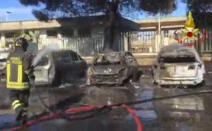 Milazzo - Incendio alla stazione, cinque auto distrutte